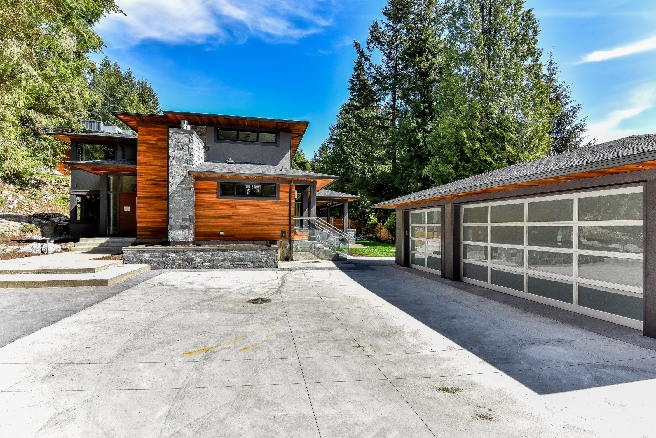 4090 Almondel Rd West Vancouver, British Properties